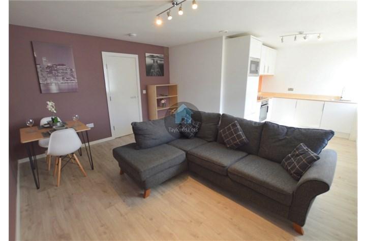 Apartment 15, Heaton Bank