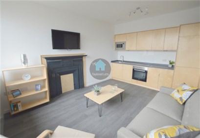 9 Maranar House Lounge Kitchen